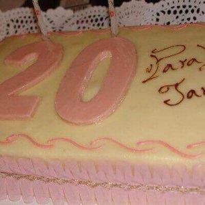 Bolo de aniversário de 20 anos