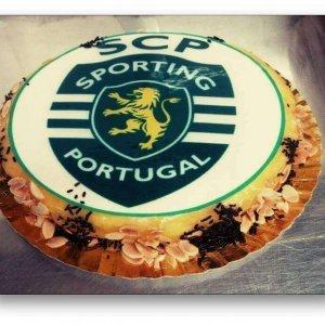 Bolo decorado com símbolo do Sporting
