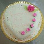Bolo decorado 6 Rosas