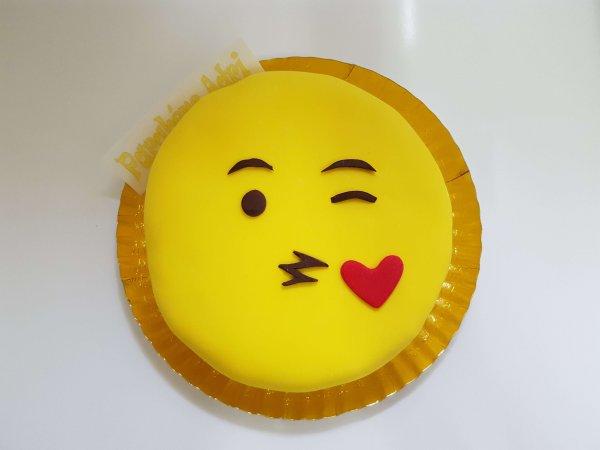 Bolo Emoji - vista de cima