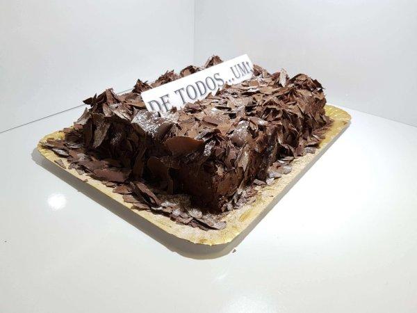 Bolo De Chocolate Cobertura Em Raspas Vista Em Perspetiva