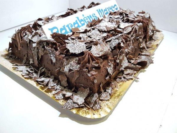 Bolo De Chocolate Com Raspas E Creme De Chocolate3