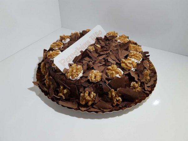 Bolo Simples De Chocolate Com Nozes Vista Em Perspetiva