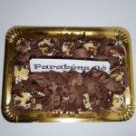 Clássico Bolo De Chocolate Com Chantilly E Ananás Cima