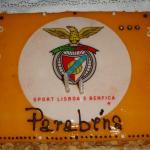 Pão De Ló Com Símbolo Do Benfica Vista De Cima