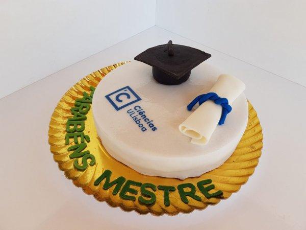 Bolo Com Chapéu Universitário E Diploma Perspetiva
