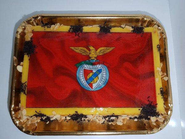 Bolo Símbolo Benfica Pão De Ló Doce Ovo Vista De Cima