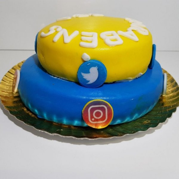 Bolo Símbolos Redes Sociais (facebook, Instagram, Snapchat, Pinterest, Twitter Lateral