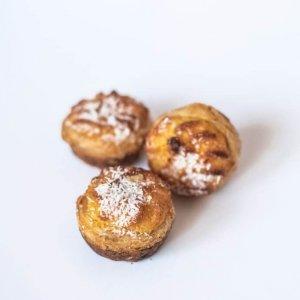 Mini Pastéis De Côco Vista De Frente