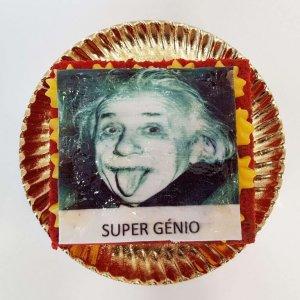 Bolo Para O Super Génio Com Albert Einstein