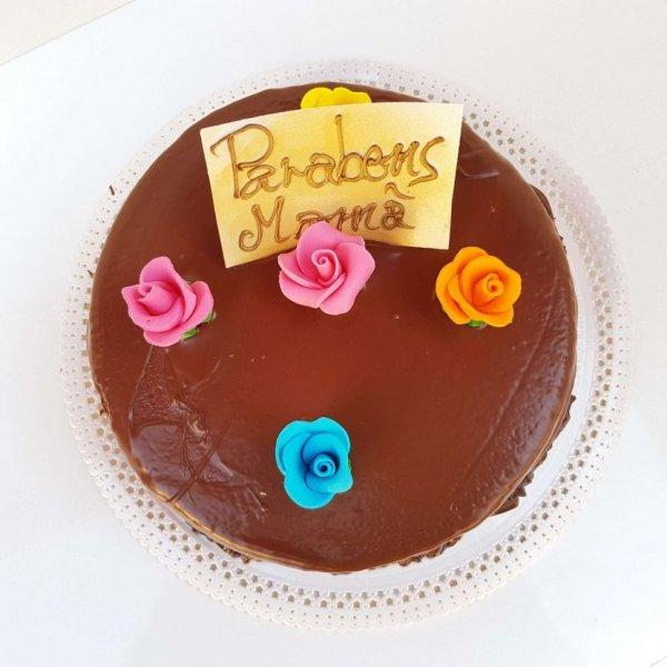 Bolo De Chocolate Com Flores