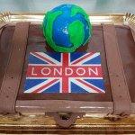 Bolo De Viagem A Londres Com Planeta