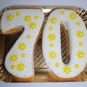 Bolo Numero 70 Branco Com Flores