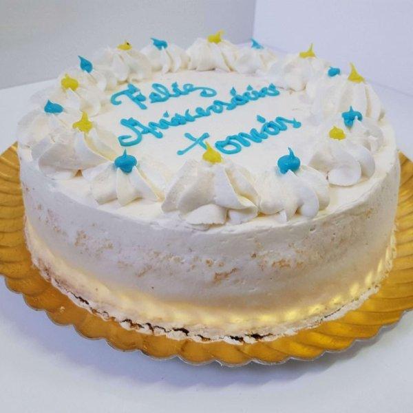Naked Cake Com Moldura De Chantili E Letras