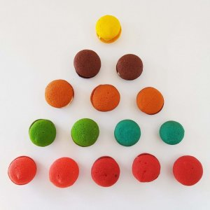 Macarons Diversos Coloridos E Vários Sabores