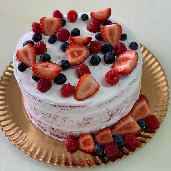 Naked Cake Extra Morangos