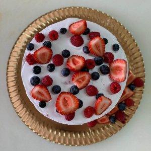 Naked De Frutos Vermelhos E Morangos
