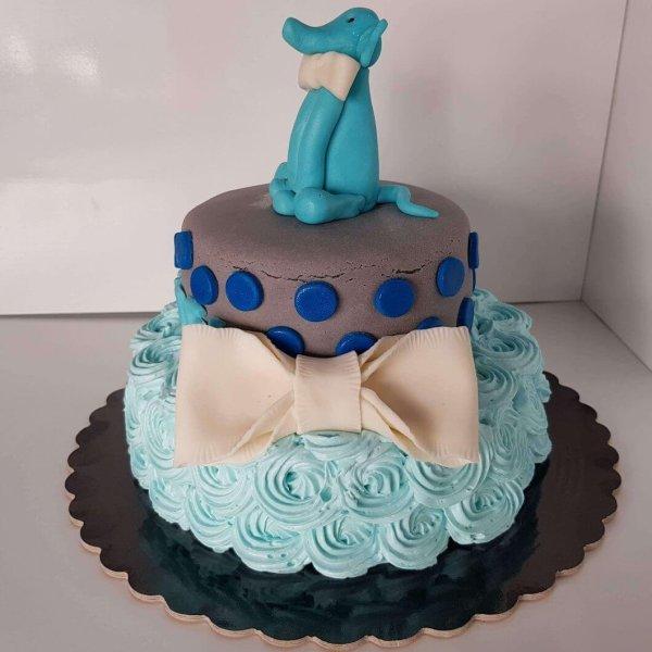 Bolo De 2 Andares Azul Com Elefante No Topo E Laço Branco