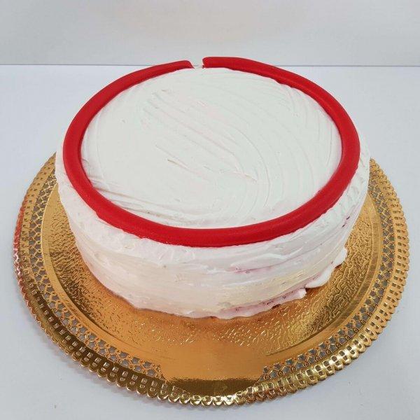 Bolo Branco Redondo Com Risca Vermelha