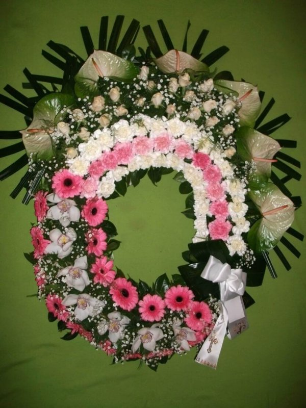 Coroa De Flores Branca E Rosas Para Mulher