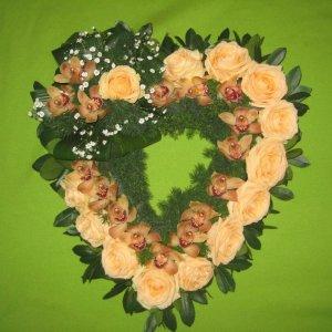 Coração De Flores Para Velório