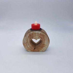 Castiçal De Madeira Com Coração E Vela