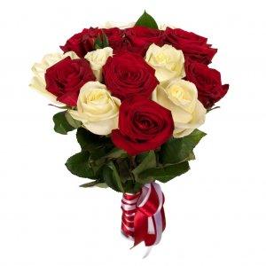 Bouquet De Rosas Vermelhas E Brancas