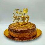 Bolo Com Belas Numericas E Topper Feliz Aniversario