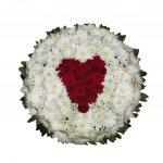 Coroa De Flores Branca Com Coração A Vermelho
