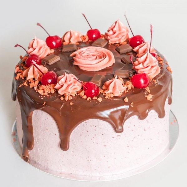 Drip Cake Com Cerejas