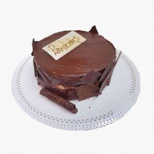 Bolo Redondo De Chocolate Com Lascas De Chocolate