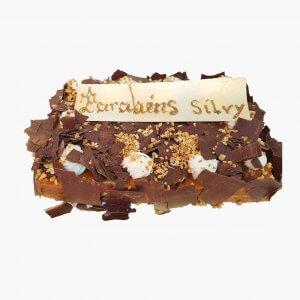 Bolo Retangular Co M Raspas De Chocolate E Amendoas Crocantes
