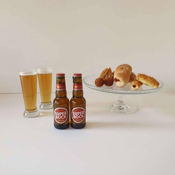 Cerveja Super Bock E Aperitivos Salgados