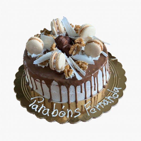 Drip Cake Com Macarons Amendoa Castanha