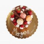 Drip Cake Com Morango E Macarons E Choc