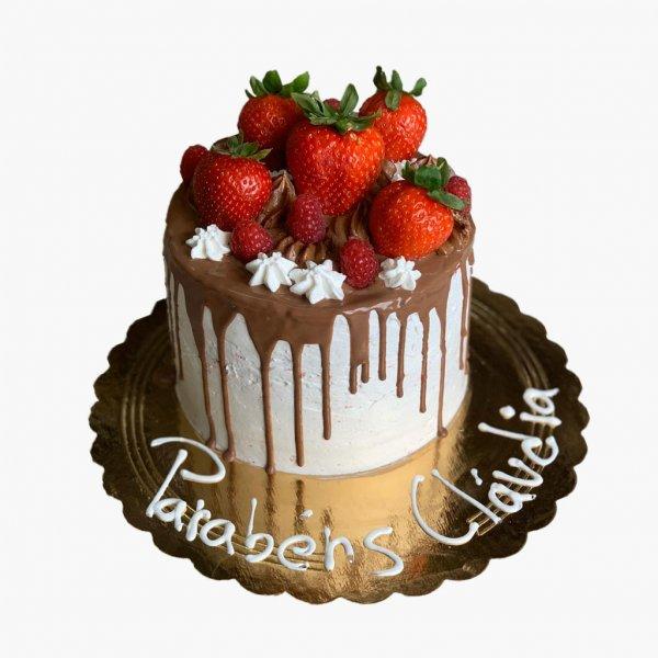 Drip Cake Com Morangos