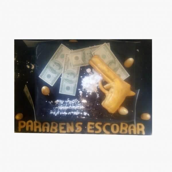 Bolo Escobar