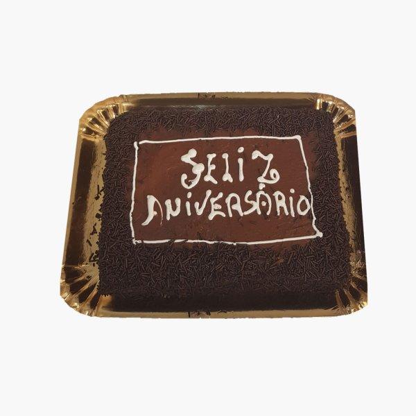 Bolo Quadrado Chocolate Com Brigadeiro