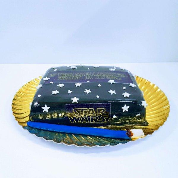 Bolo Star Wars Estrelado Com Espada Luz