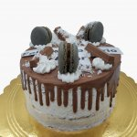 Drip Cake Macarons Com Kitkat 2