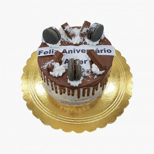 Drip Cake Macarons Com Kitkat