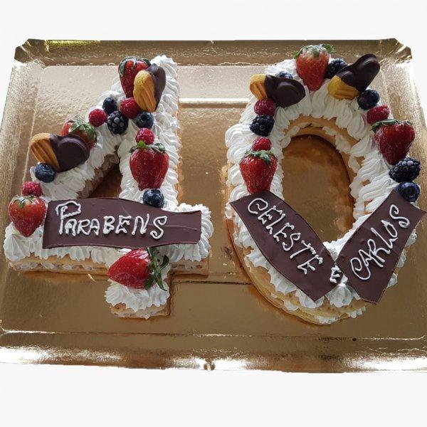 Number Cake 40 Anos Com Morangos E Chocolate